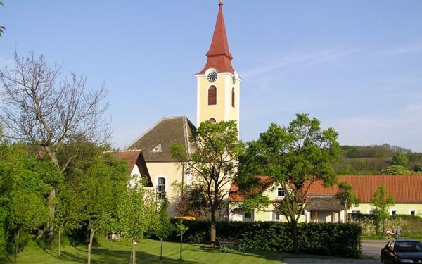 Winzerhof Englmayer - Unterkunft und Zimmer im Schmidatal