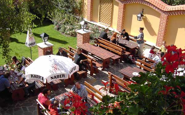 Gemütlicher Gastgarten - Gasthaus Stefanshof - Ziersdorf