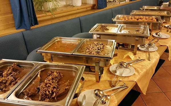Reichhaltiges Speisenbuffet im Gasthaus Stefanshof - Ziersdorf
