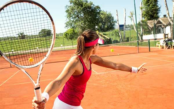 Tennisplätze & -Clubs